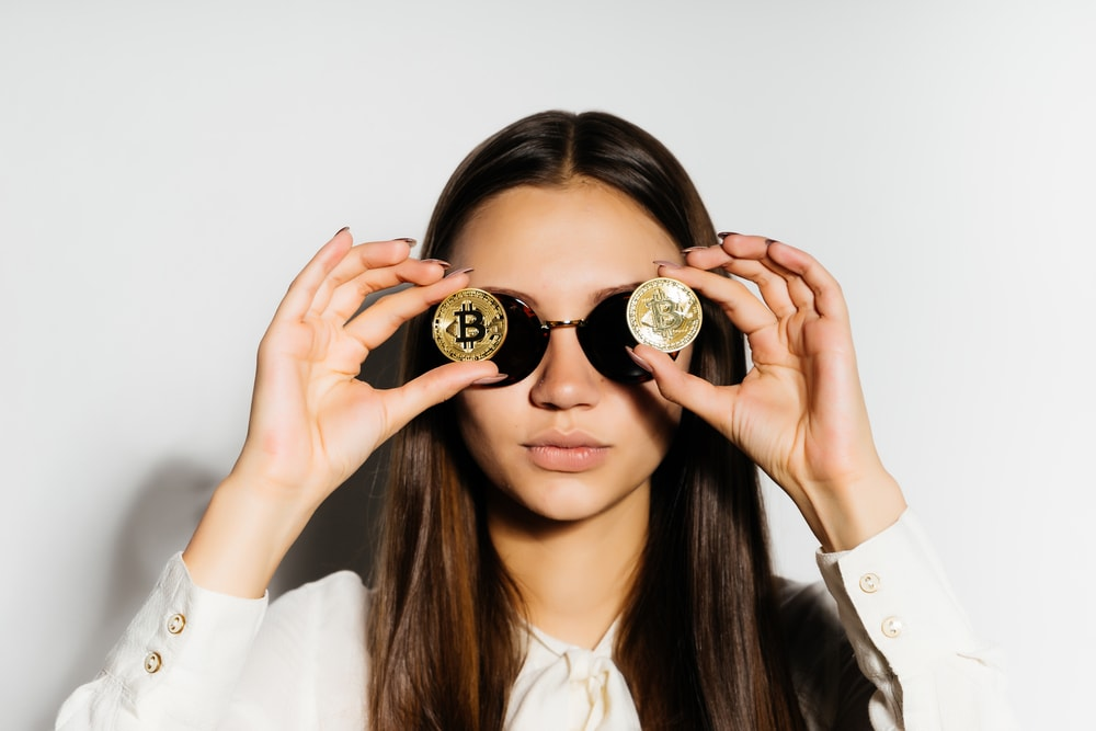 Relación entre las bitcoins y las mujeres
